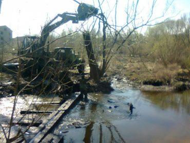 У Скалі-Подільській підприємець частково розгородив русло річки Збруч