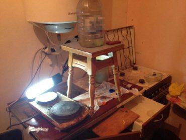 На Тернопільщині СБУ виявила нарколабораторію