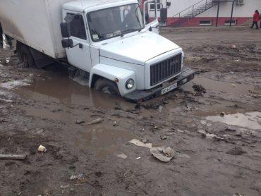 У центрі Шумська можна втопити машину