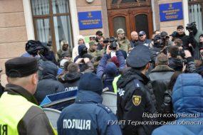 У Тернополі після сутичок двоє депутатів потрапили у лікарню