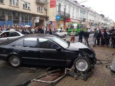 """Водій BMW, який скоїв аварію на Руській, був під """"кайфом"""""""