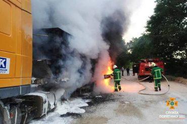 У Максимівці згоріла вантажівка