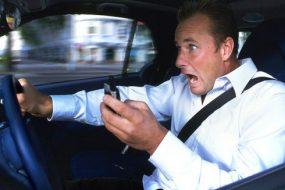 У Тернополі люблять дуже розмовляти по телефону за кермом автомобіля