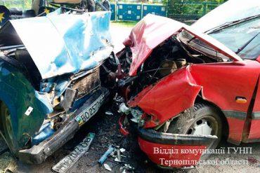 Жахлива аварія на Тернопільщині забрала життя трьох людей
