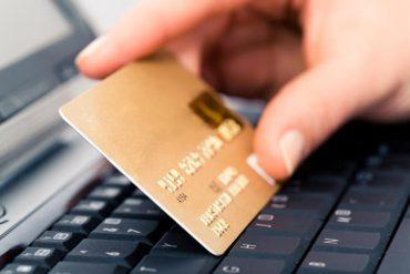 Пишете на банківській картці пін-кон, то вже й на ключах чіпляйте брелок з домашньою адресою