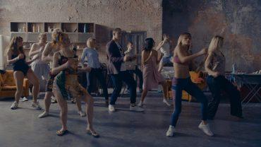 Трек, під який танцює вся Україна, підкорює соцмережі