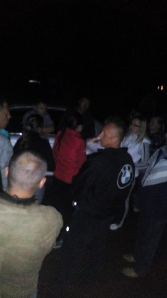 У Вишнівці люди не вірять поліції і знову перекрили дорогу