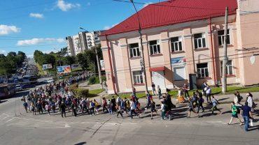 Тернополяни вирушили у пішу прощу до Зарваниці