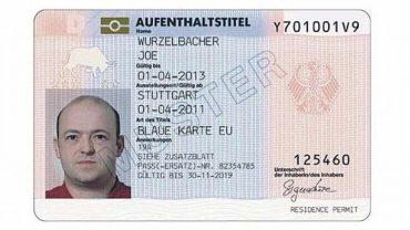 """У Німеччині """"блакитні картки"""" отримали вже майже дві тисячі українців"""