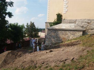 На археологічні розкопки в Тернополі чиновники хочуть отримати мільйони євро