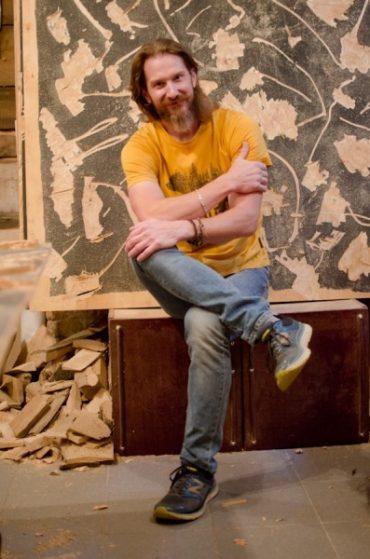 """Американський скульптор представить """"Невловиме літо"""" у Тернополі"""