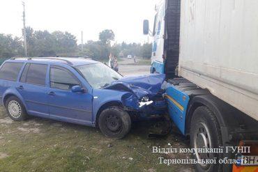 На Теребовлянщині зіткнулося дві іномарки