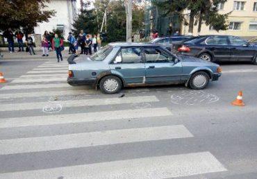 У Тернополі на переході авто збило неповнолітню дівчинку