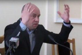 Тернополяни розкритикували мера Сергія Надала за спробу провести парад випускників під час епідемії коронавірусу