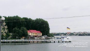 За 250 тисяч доларів продається база відпочинку на тернопільському озері