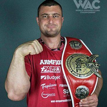 Андрій Пушкар здобув перемогу на Кубку світу серед професіоналів з армреслінгу