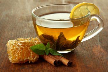 5 вагомих причин вживати мед замість цукру