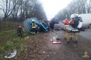 У Заліщицькому районі внаслідок дорожньо-транспортної пригоди травмовано 5 осіб, 1 особа загинула