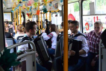 У Тернополі приготували сюрпризи для пасажирів тролейбусів щастя