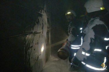 У Тернополі майже годину гасили пожежу