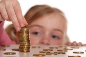 Що треба зробити, щоб отримувати виплату аліментів на дітей?