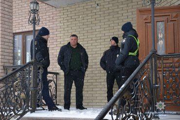 Крадіжку з будинку інкримінують правоохоронці Тернополя місцевому жителю