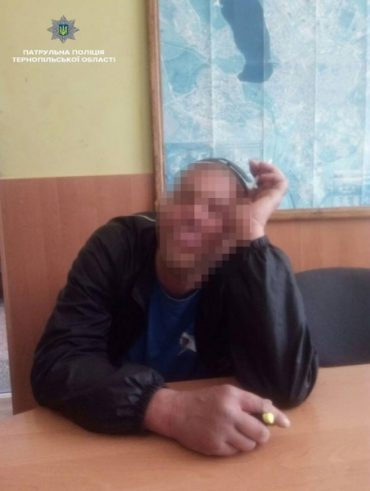 У Тернополі затримали нудиста