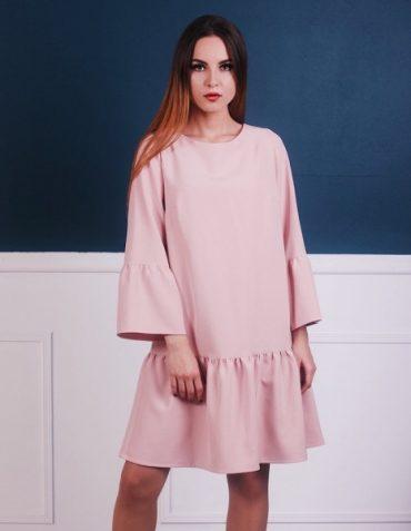 Платья оверсайз – чем они покорили всех девушек. Обязательно обратите внимание на эти модели при формировании осеннего ассортимента в своем магазине!
