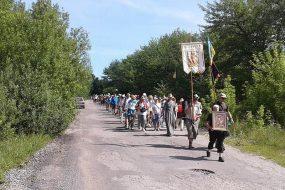 Паломники з Хмельницького вирушили в пішу прощу до Зарваниці