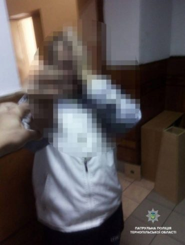 Патрульні оштрафували громадянина, який дебоширив в перукарні