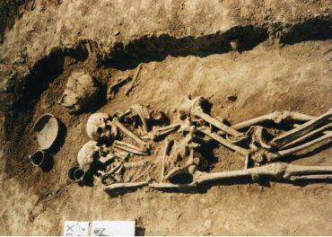 Парні поховання, які знайшли біля Тернополя, виявилися унікальними