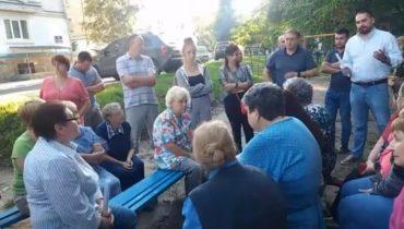"""Тернополяни, які мешкають на масиві """"Дружба"""", хочуть відкликати депутатів Зіня та Шкулу"""