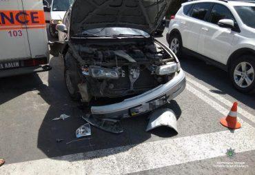 У Тернополі трапилася аварія за участі 5-ти автомобілів