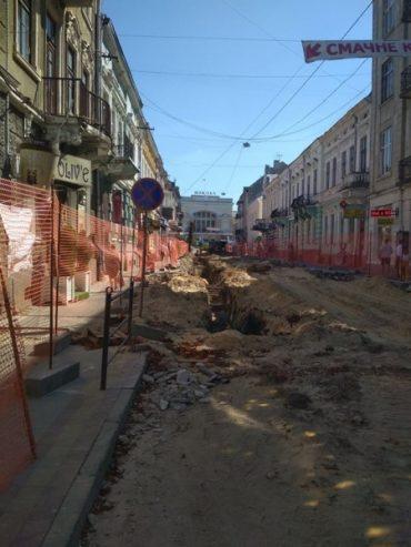 Зрізали 12 каштанів, а посадять після ремонту вулиці Чорновола 9 дерев: що за арифметика у тернопільських чиновників?