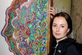 """У Тернополі відбулося спецпогашення марки """"Кохання – це життя"""", присвячене картині художниці Олесі Гудими"""