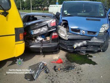 Потрійну дорожньо-транспортну пригоду спричинив водій через порушення правил дорожнього руху