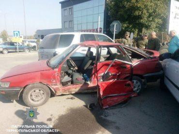 ДТП по вулиці С. Будного: двоє травмованих осіб та чотири пошкоджені автомобілі
