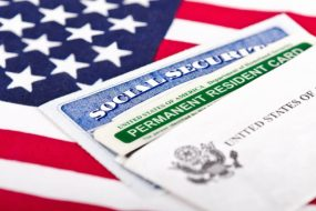 Лотерея Green Card 2019: інформація від віце-консула Сполучених Штатів Америки в Україні Емілі Тікенсон