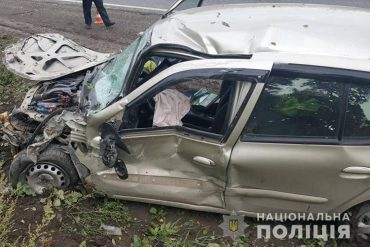 "На Тернопільщині Renault Clio ""наздогнало"" Peugeot Partner"
