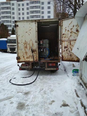 Незаконний продаж пального на вулиці Гайовій у Тернополі триває й далі