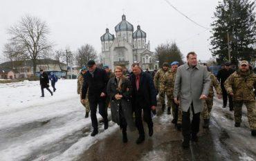 Після гастролей Зеленського на Тернопільщину приїхала Тимошенко