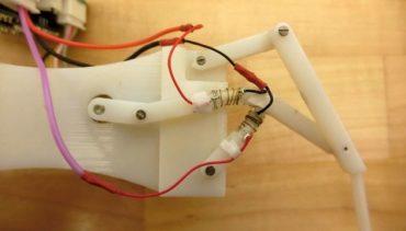 """Створили робота """"Термінатора"""", який може плавити і зміцнювати свої суглоби за секунди"""