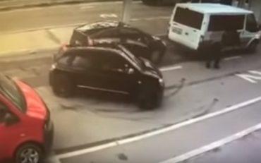Українські митники пропустили автомобіль з 84 кг героїну