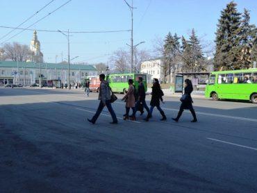 Минулого року пішоходів-порушників в Україні оштрафували на понад 1 мільйон гривень