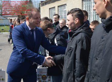 Скільки заробили на відмазуванні кріпаків від армії у військоматах Тернопільщини?