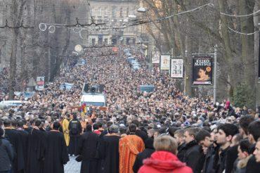 Петиція про заборону релігійних ходів Львовом зібрала підписи за рекордний час