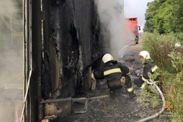 У Кам'янках згоріла вантажівка, яка перевозила малину