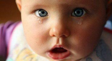 Мати-алкоголічка поламали кістки носа семимісячній донечці