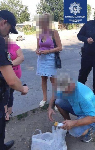 Тернопільські патрульні затримали чоловіка та жінку, яку підозрюють у вчиненні крадіжки