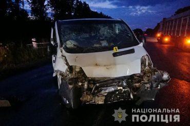 Восьмеро людей отримали травми в результаті зіткнення двох автомобілів на Тернопільщині